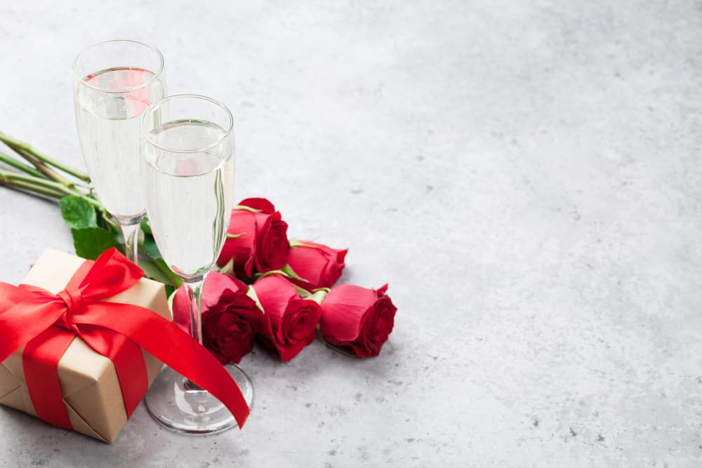 How to Plan a Valentine's Day (or Any Date) Night They'll Never Forget