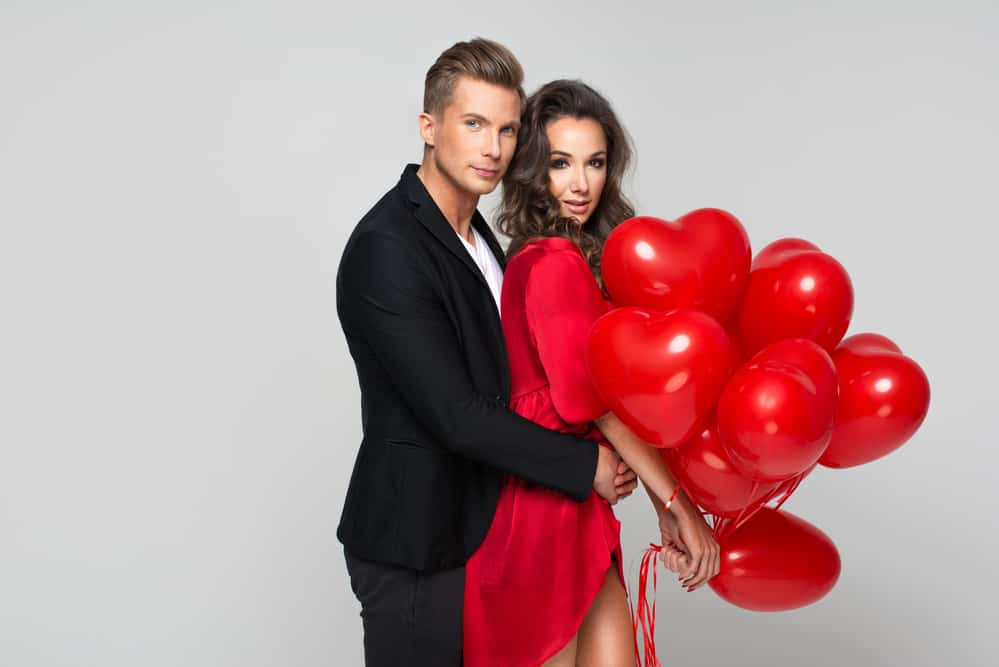 5 Sexy Valentine's Day Date Ideas To Turn You Both On